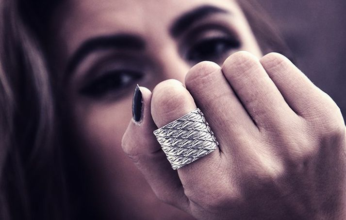 10 ways to accessorize with rings