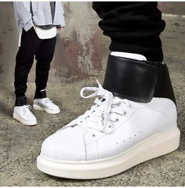 Contrast Band Strap Chunky Sole High Top Sneakers 434