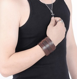 Rocker Men's Strap And Buckles Wristband