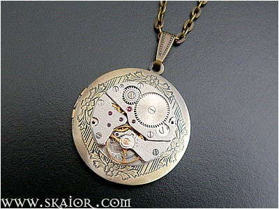steampunk_locket_necklace_gothic_victorian_jewelry_necklaces_4.jpg