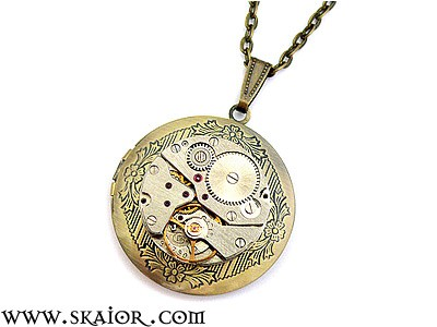 steampunk_locket_necklace_gothic_victorian_jewelry_necklaces_3.jpg
