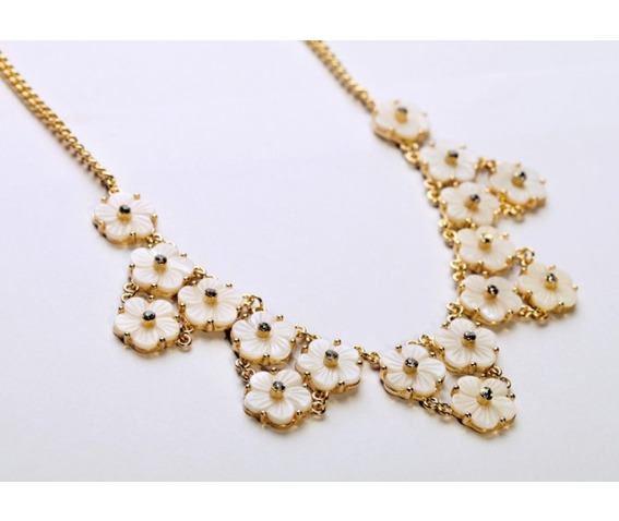 cute_white_floral_style_necklace_girls_necklaces_3.jpg