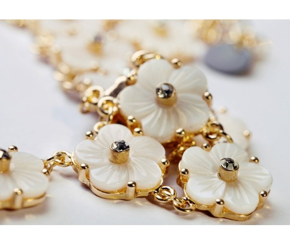 cute_white_floral_style_necklace_girls_necklaces_2.jpg