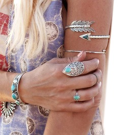 Elegant Women's Silver Bolt Armband
