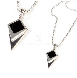 Contrast Tip Charm Metal Necklace 84