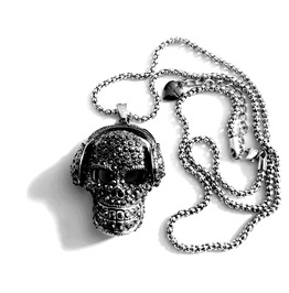 Awesome Skull Head With Headphones Crystal Design Has Unique Gun Metal Chain