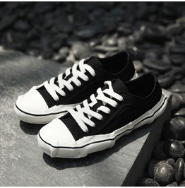 Men Canvas Sneakers Personalized Lace Up Fashion Casual Shoes