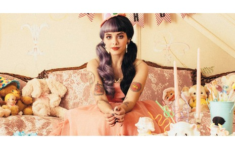 3df28778cdf3 Melanie Martinez And Her Pastel Goth Fashion