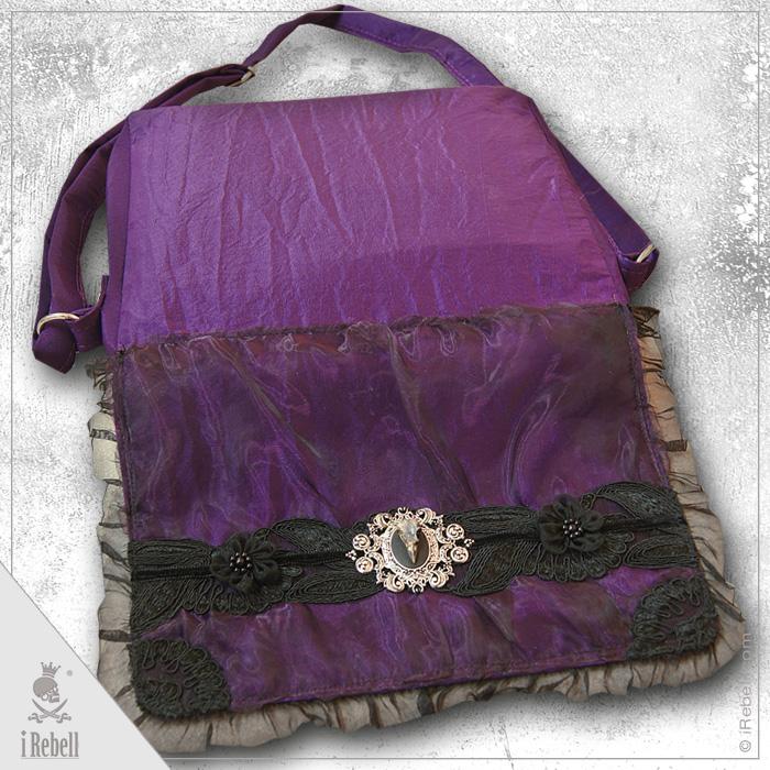 rebelsmarket_raven2_gothic_fantasy_style_shoulder_bag_with_beautiful_raven_skull_cameo_purses_and_handbags_6.jpg