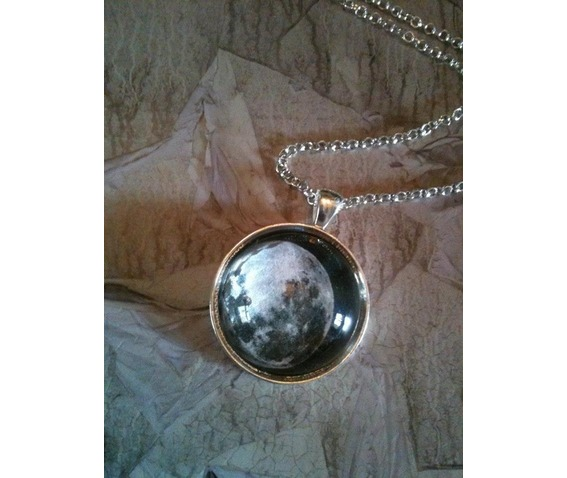 full_moon_necklace_curiology_necklaces_2.jpg