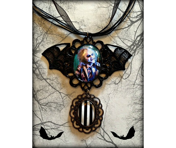 beetlejuice_cameo_necklace_curiology_necklaces_2.jpg
