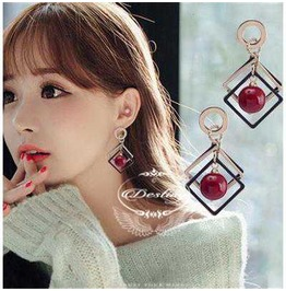 Diamond Red Beads Earrings Female.