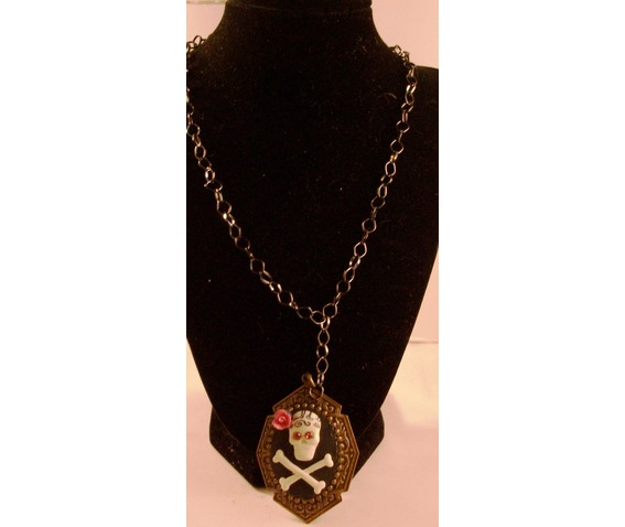skull_pendant_black_chain_necklaces_2.jpg
