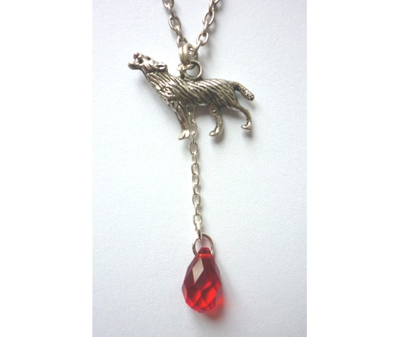 the_werewolf_leus_warous_necklace_necklaces_5.JPG