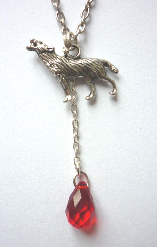 the_werewolf_leus_warous_necklace_necklaces_5.JPG