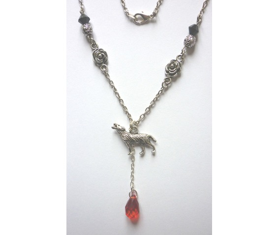the_werewolf_leus_warous_necklace_necklaces_3.JPG