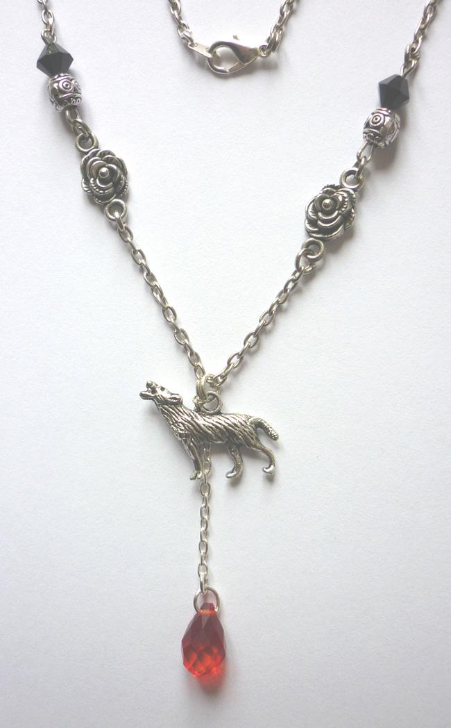 the_werewolf_leus_warous_necklace_necklaces_3.JPG
