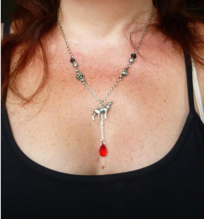 the_werewolf_leus_warous_necklace_necklaces_2.JPG