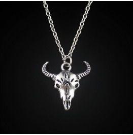 8fbd597a699 Gothic Punk Antique Silver Bull Head Cow Skull Amulet Pendant Necklace