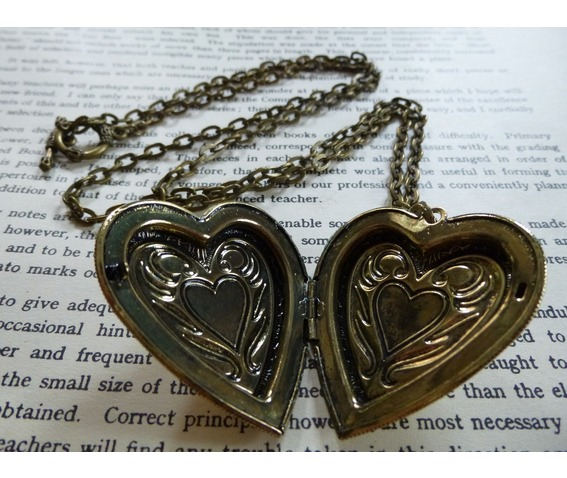 love_locket_hammered_pattern_brass_antique_tin_heart_necklaces_4.JPG