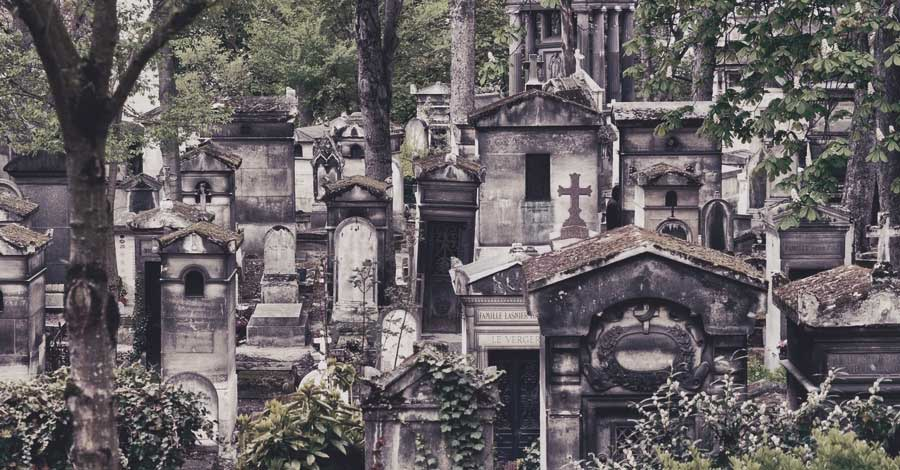 5 Must Visit Cemeteries: Vacation Edition
