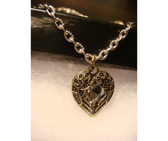 small_winged_heart_jewel_necklace_necklaces_5.JPG