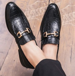 Men's Handmade Split Leather Pointed Toe Dress Loafer With Gold Buckle