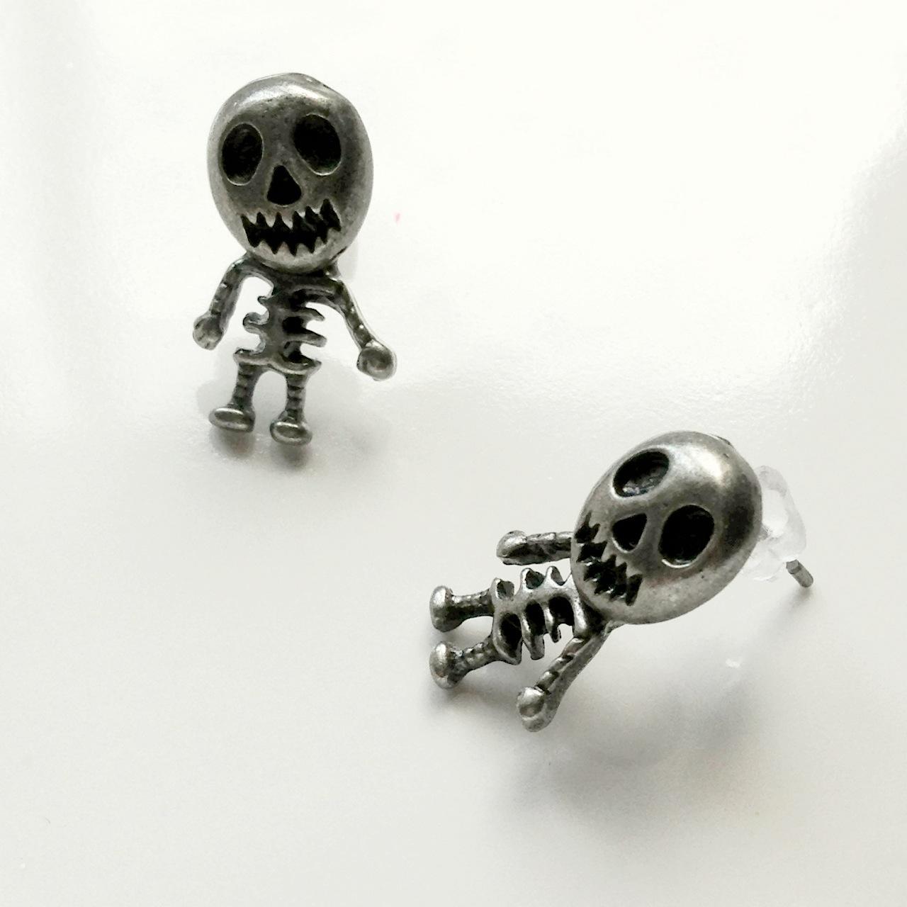 skeleton_stud_earrings_silver_earrings_3.jpg