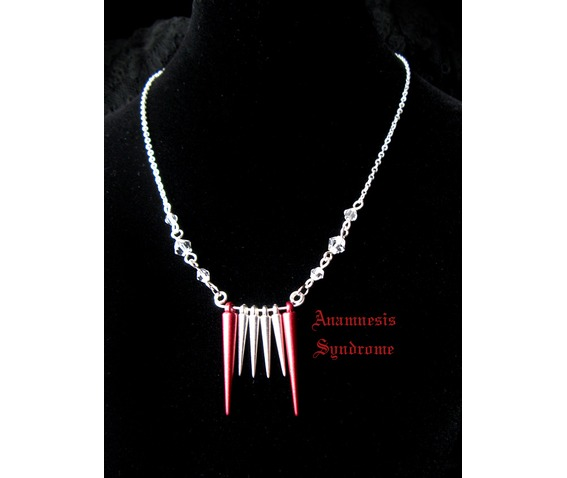 vampire_teeth_necklace_i_necklaces_4.jpg