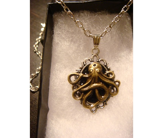 victorian_style_steampunk_octopus_pendant_necklace_necklaces_5.JPG