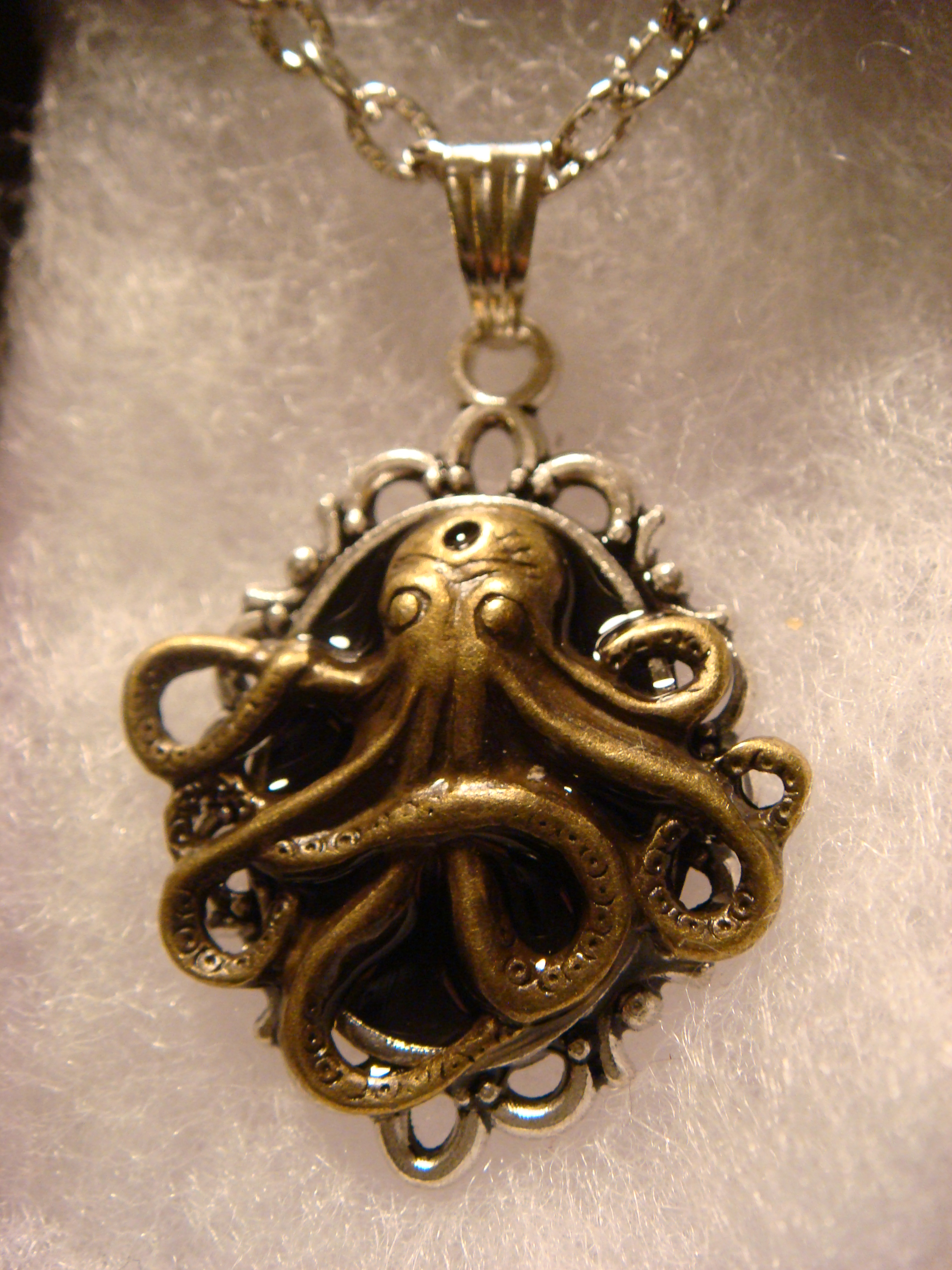 victorian_style_steampunk_octopus_pendant_necklace_necklaces_4.JPG