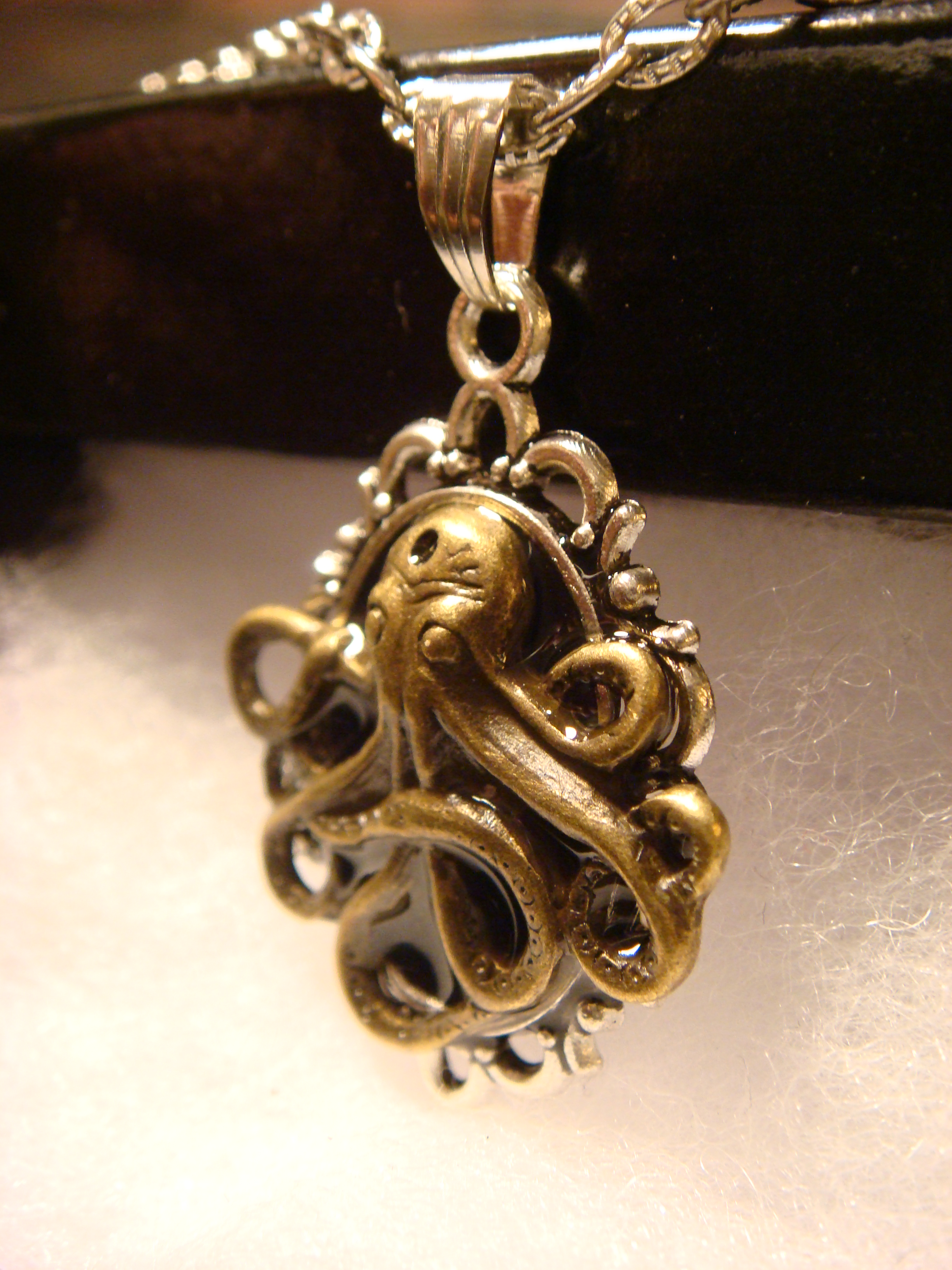 victorian_style_steampunk_octopus_pendant_necklace_necklaces_3.JPG