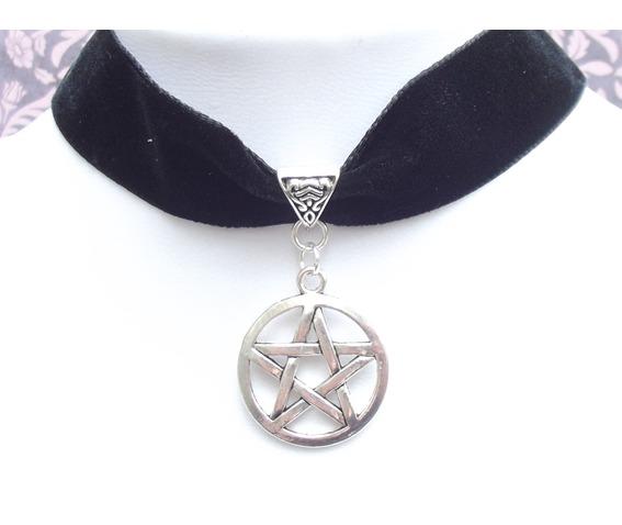 gothic_victorian_black_velvet_black_rose_cameo_choker_necklaces_3.JPG