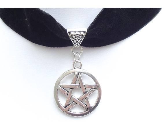 gothic_victorian_black_velvet_black_rose_cameo_choker_necklaces_2.JPG