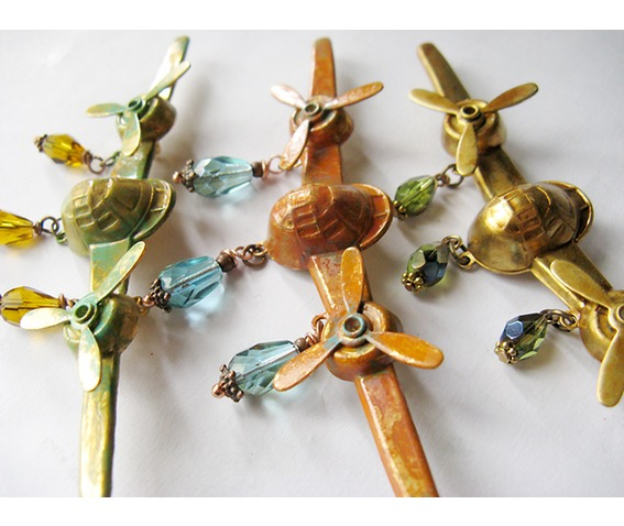 1_airplane_moving_propellers_steampunk_brooch_brooches_2.jpg
