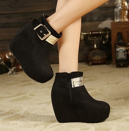 Gold Tone Buckle Decoration Wedge Heel Boots