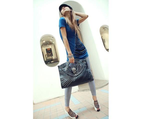 metal_skull_head_rivets_handbag_purses_and_handbags_2.JPG