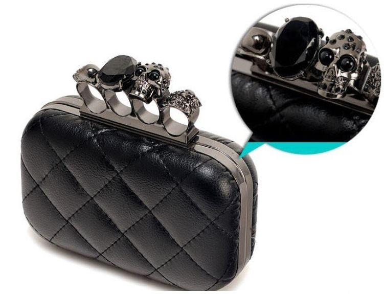 finger_clutch_skull_head_hand_dpurse_purses_and_handbags_4.JPG
