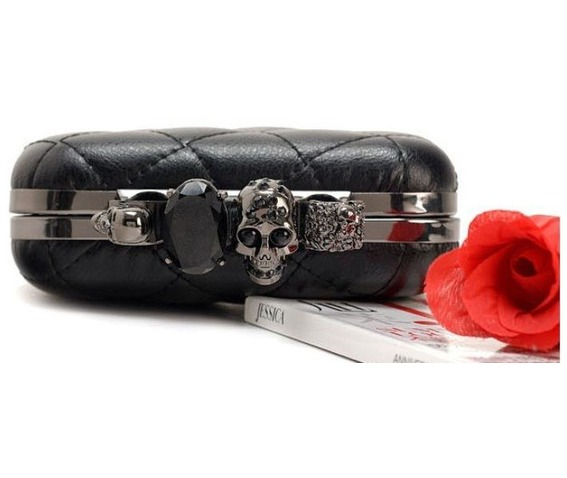 finger_clutch_skull_head_hand_dpurse_purses_and_handbags_2.JPG