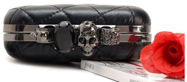 finger_clutch_skull_head_hand_dpurse_purses_and_handbags_2.JPG