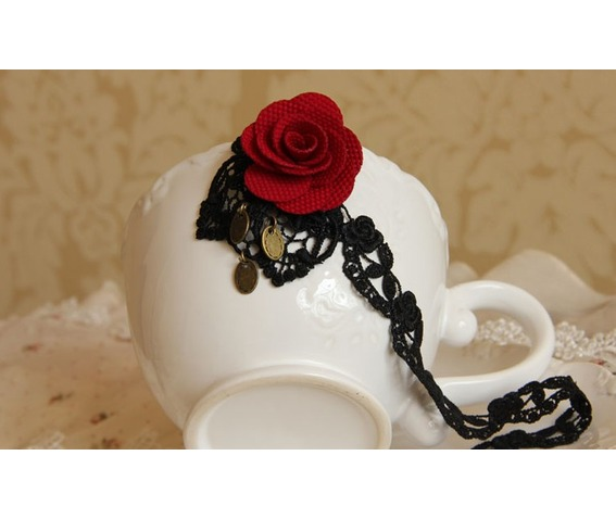 red_rose_black_lace_gothic_style_necklace_necklaces_2.jpg