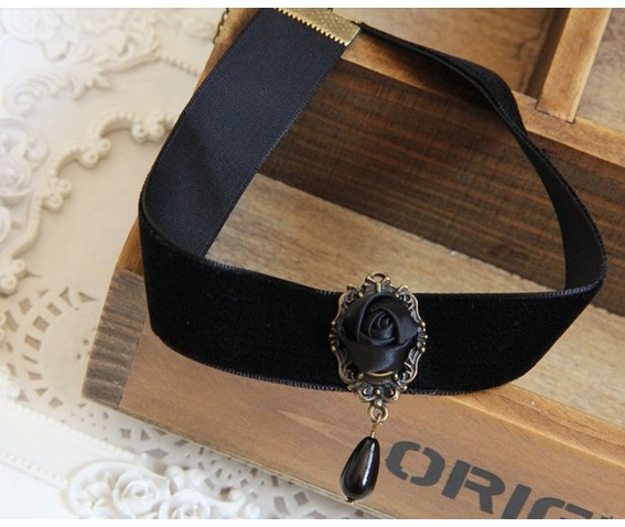 black_rose_pendant_velvet_strip_necklace_necklaces_3.jpg