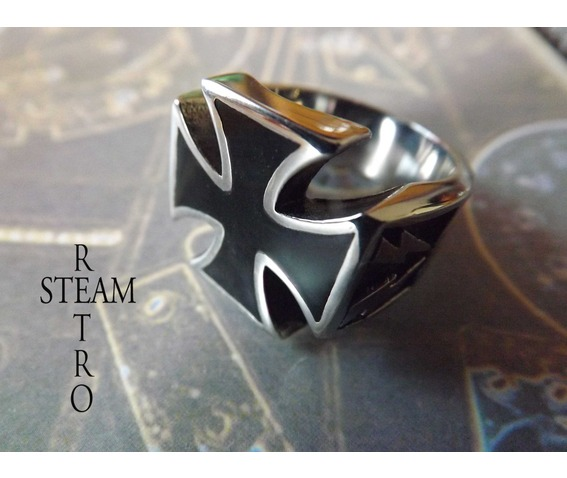gothic_iron_cross_biker_ring_gothic_steamretro_rings_5.jpg