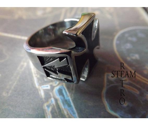 gothic_iron_cross_biker_ring_gothic_steamretro_rings_4.jpg