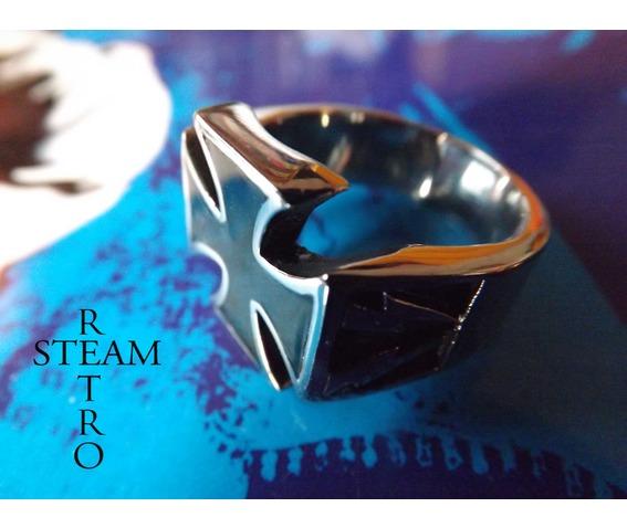 gothic_iron_cross_biker_ring_gothic_steamretro_rings_3.jpg