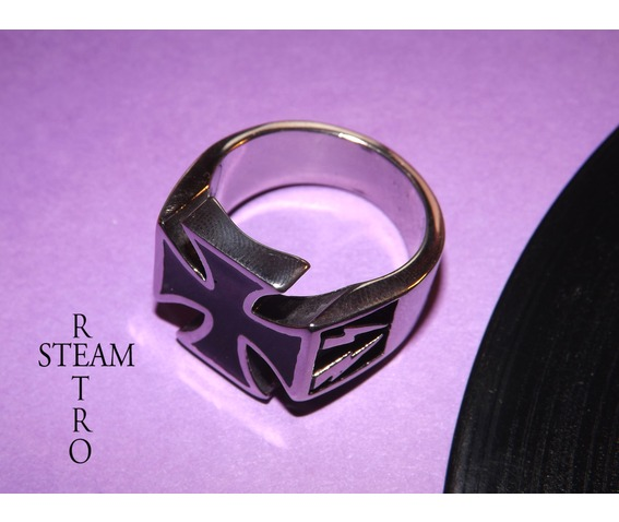 gothic_iron_cross_biker_ring_gothic_steamretro_rings_2.jpg