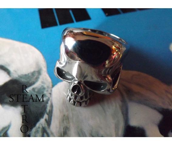 gothic_skull_biker_ring_gothic_steamretro_rings_2.jpg