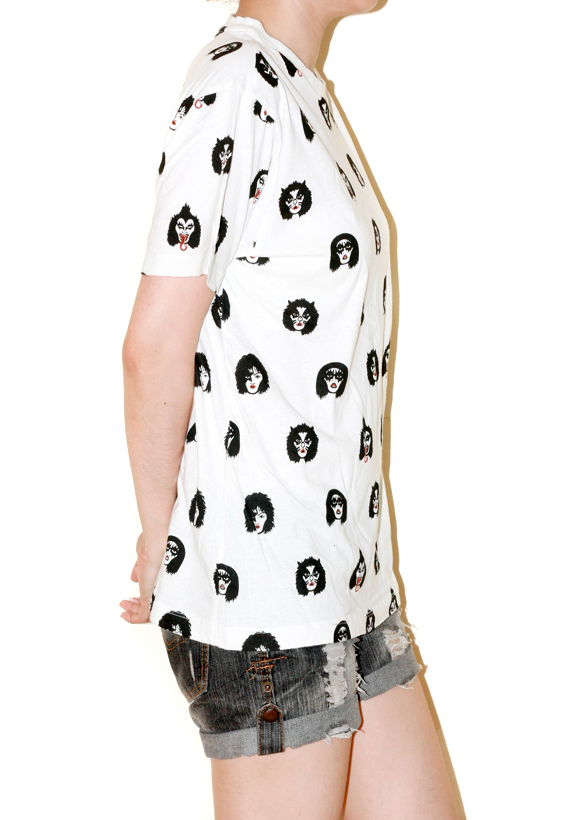 kiss_cartoon_face_white_t_shirt_rock_punk_shirt_size_m_tees_4.jpg