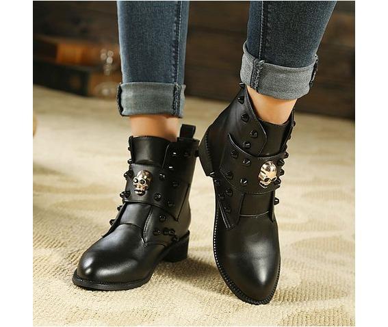 skull_head_strap_rivets_low_heel_boots_platform_boots_4.JPG
