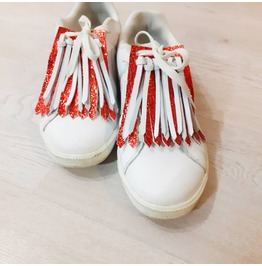 Red Patent Leather Shoe Clips With White Leather Tassels | Kiltie Fringes
